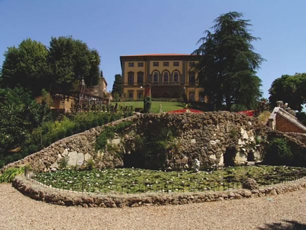 Tuscany Villa Garden And Park In Chianti Near Siena