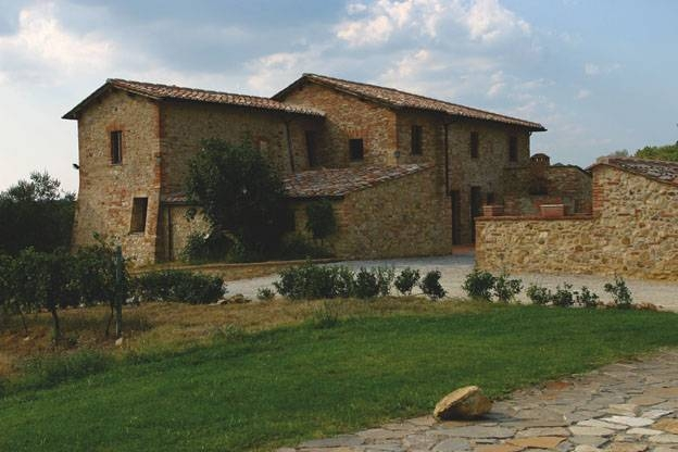 Chianti farm holiday house in Tuscany and Chianti History Ancient Towers F